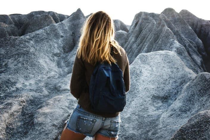 adventurous date ideas-Go bouldering