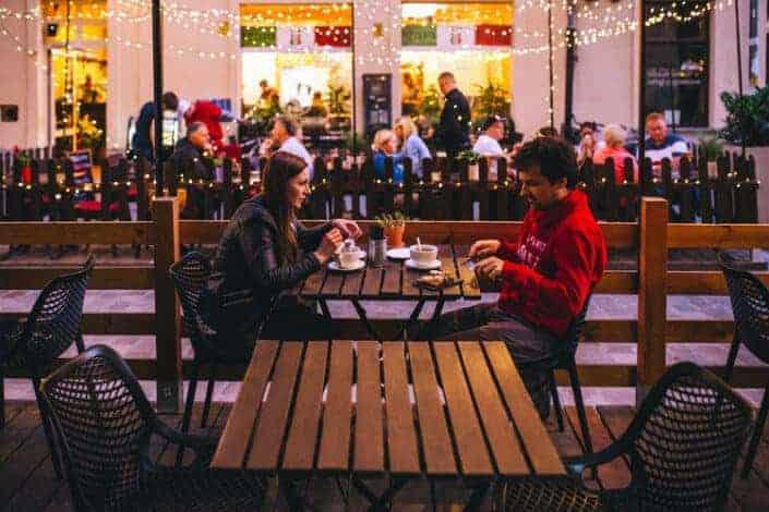 adventurous date ideas-Go on a dinner adventure