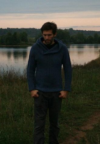KNITOMANIAC Handmade Alpaca Sweater With Hood 3