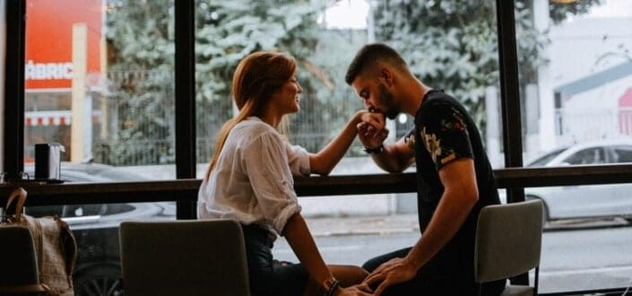 sweet things to do for your girlfriend - Take Less Than 30 Seconds