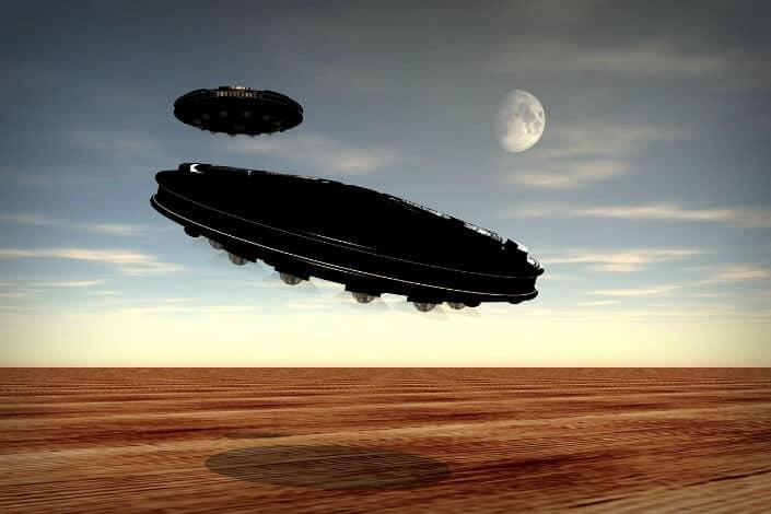 UFO visiting desert