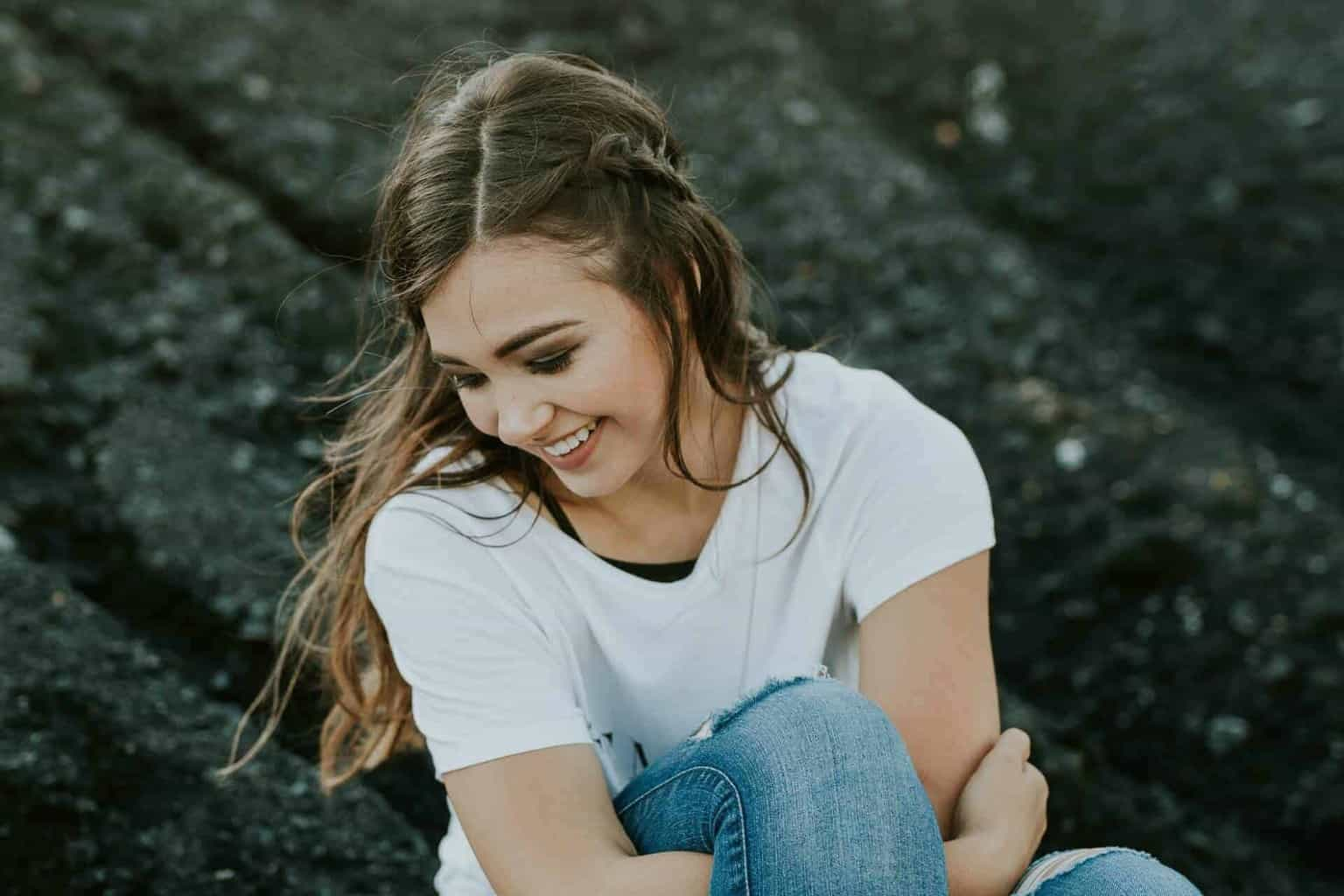 93 Interesting Questions to Ask a Girl - Spark engaging
