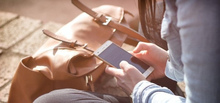 Signs Your Girlfriend is Cheating - She keeps her phone on high security