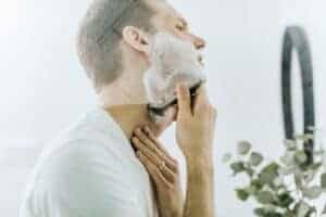 7 Grooming Mistakes Women Hate (+ How to Fix Them)-Featured