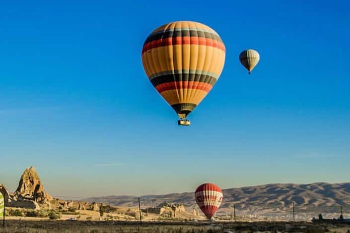 first date questions - Would you rather go for a bungee jump or hot air balloon ride