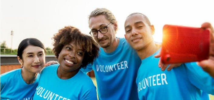How to meet women-volunteer work