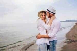 8 signs she wants you to chase her - main (1)