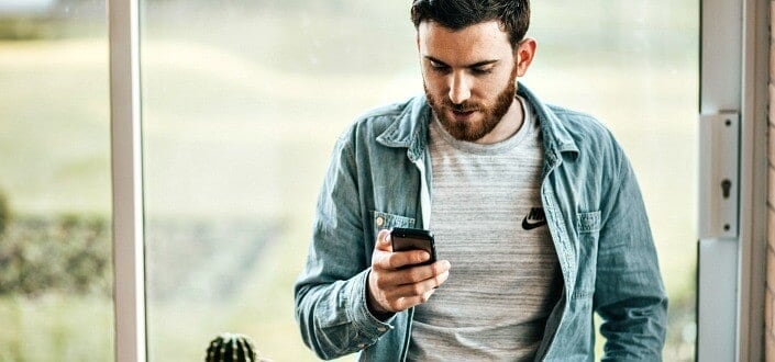 How to Start a Text Conversation with A Girl - change topic