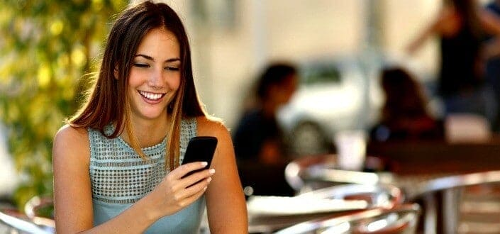 How to Tell if a Girl Likes You Over Text in 7 Easy steps-Know When to Go For it - 7 steps
