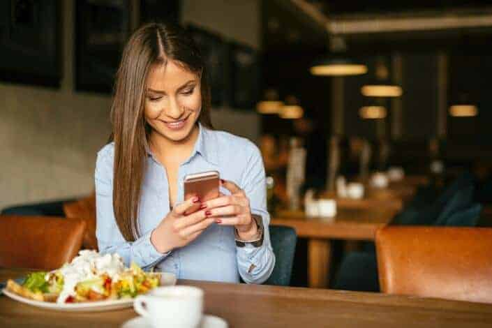 Flirty Texts for Her - sending a text