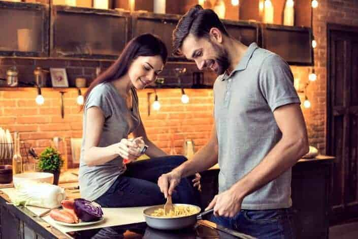 first date ideas - cook for your friends