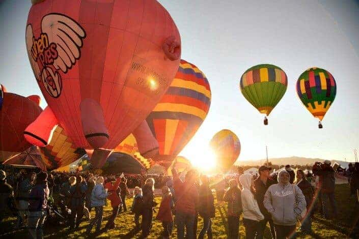 first date ideas - hot air balloon