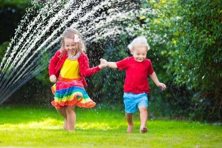 at home date ideas - water fight