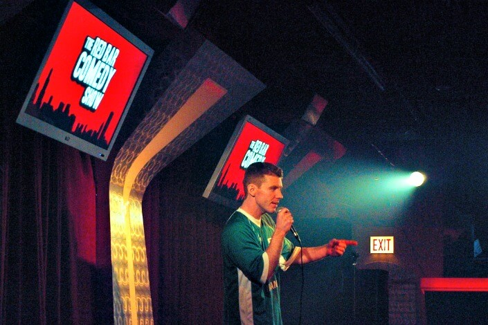 date night ideas - comedy show