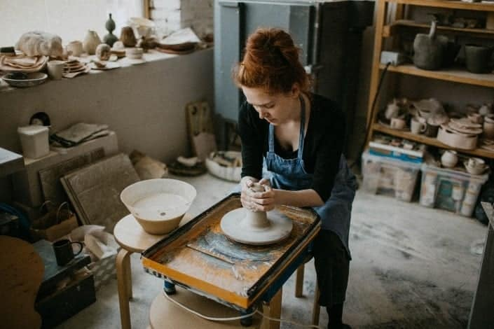 date night ideas - pottery class