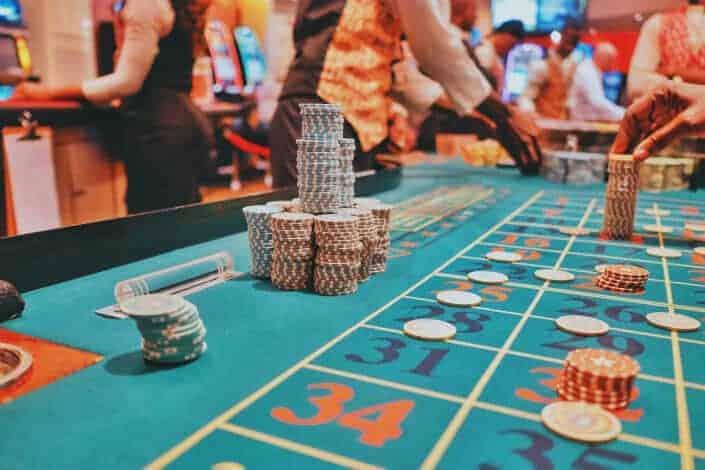 fun date night ideas - gamble Unsplash/Kay