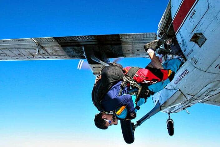 unique date ideas - skydiving