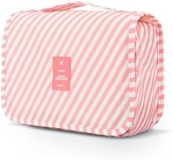 35. Hanging Case Toiletry kit (1)
