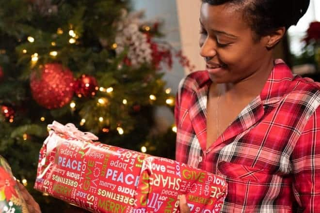 45 Best Christmas Gift Ideas For Mom Gifts She Will Surely Love