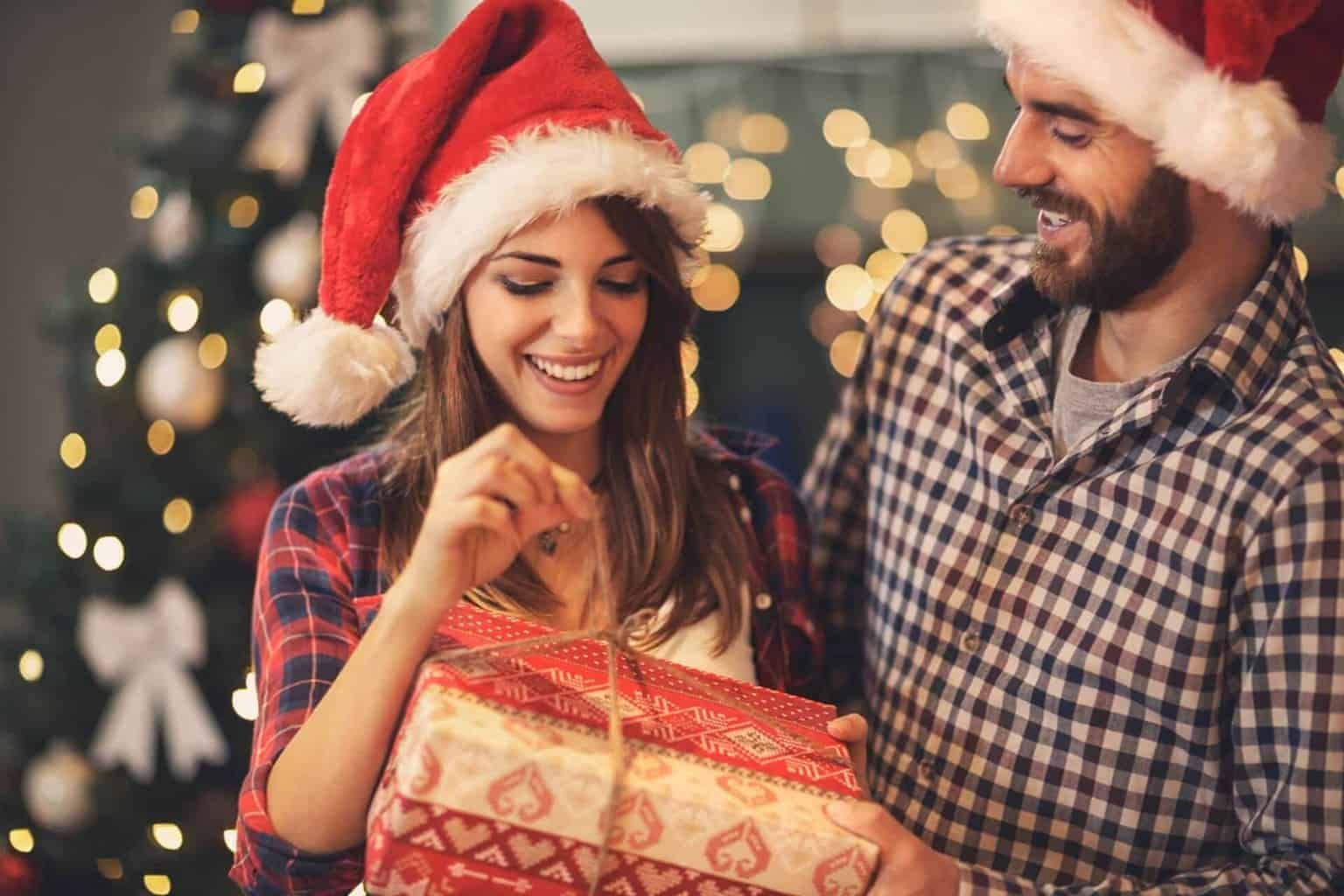 382500e7f0f12 42 Christmas Gifts For Girlfriend - List of awesome gifts she'll love.