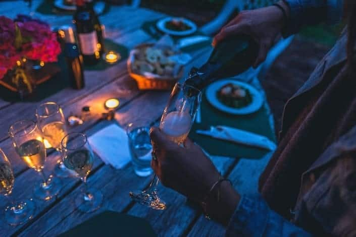 at home date ideas - Share a candlelight dinner