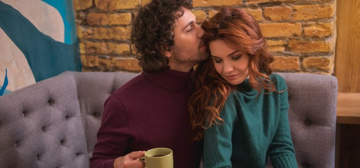 How To Tell If A Girl Likes You - 4 Great steps to help you figure out!