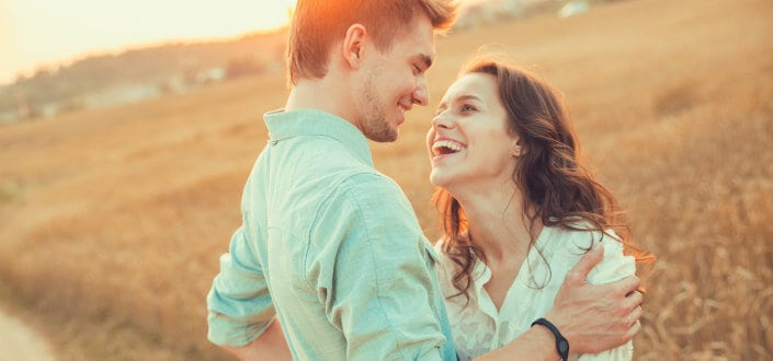 How To Tell If A Girl Likes You - 4 Great steps to help you