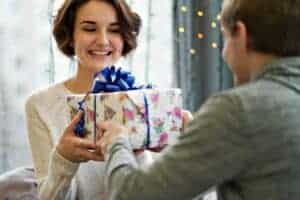 cute gifts for girlfriend - main
