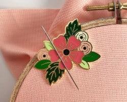 Floral needle minder (1)