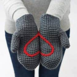 Birthday gifts for wife - Heart mittens