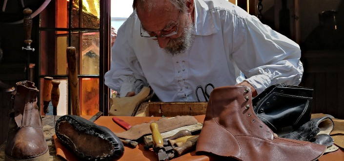 Dress Shoes 101 - Find a good cobbler