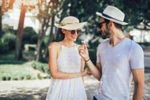 5 Hidden Signs a Girl Likes You - Main