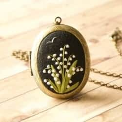Floral locket handmade 3D