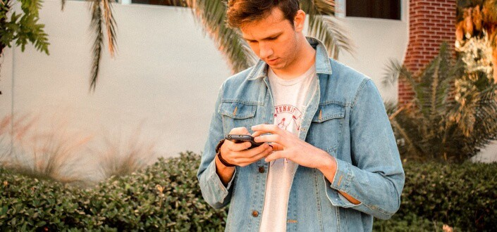 How To Text A Girl you Like and Get Her To Like You - Know When To End It