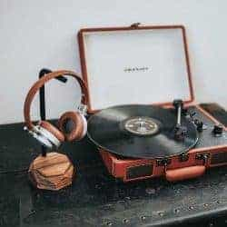 gifts for men who have everything -Headphone Holder
