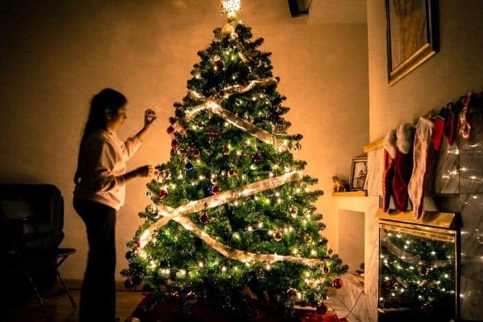 knock knock jokes - Knock, knock! Who's there_ Gladys Gladys who_ Gladys Christmas You too_