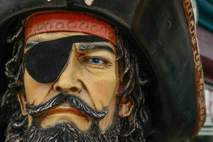 corny jokes-How do pirates know they're pirates_ They think, therefore they arrrr.
