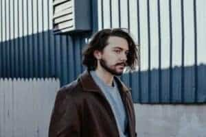 long hairstyles for men-Featured 1