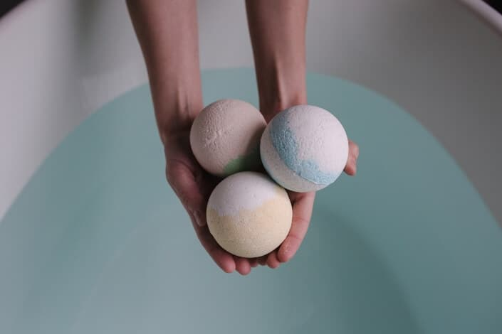 indoor hobbies-bath bomb