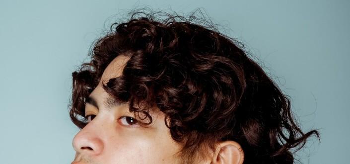 mens medium haircut-curly