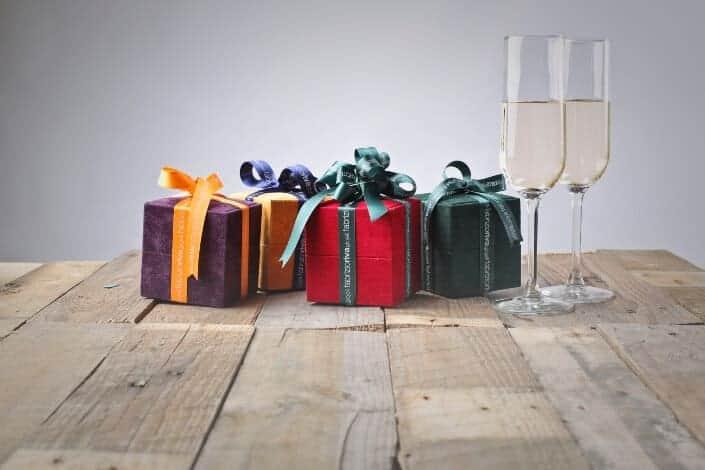 Fun date ideas-fancy gifts