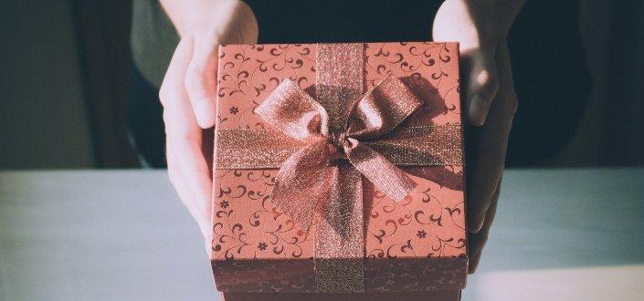 A peach gift box