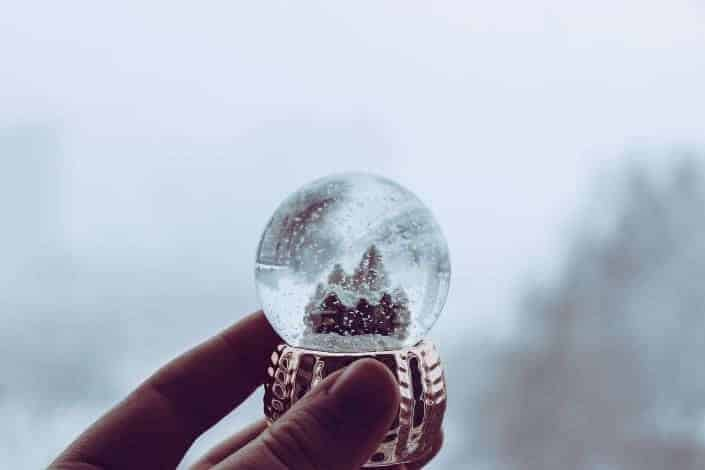 cool hobbies - Homemade snow globes