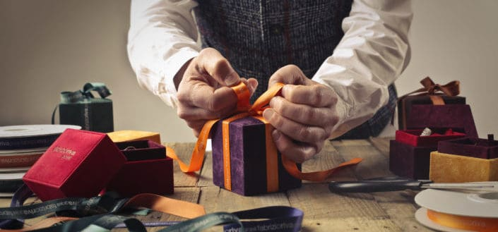 How to pick the best small gift ideas - Make it personal.jpeg