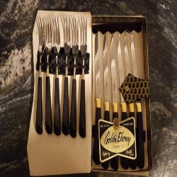 Groomsmen gift Ideas that can be Christmas gift Ideas - Gold n' Ebony steak set (1)