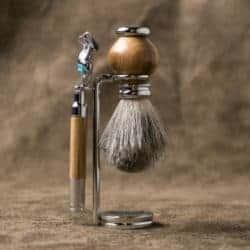 cute gifts - Razor and Brush Set