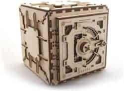 DIY gifts - Model Safe Kit