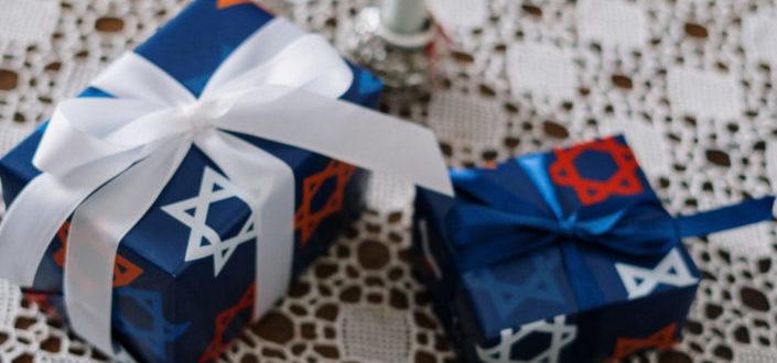 Groomsmen Gift ideas Version 2 Post - Small Groomsmen Gift Ideas.jpeg