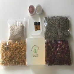 Small DIY Gifts for Men - DIY Organic Clear Soap Making Kit (1)