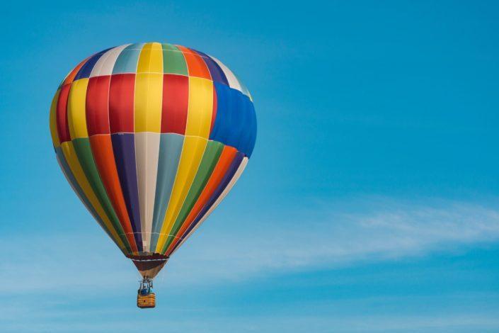 photography of a hot air balloon